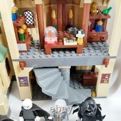 LEGO Harry Potter Hogwarts Castle (4842) 100% Complete w Minifigures but 1 Decal