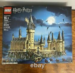 Lego Harry Potter Hogwarts Castle Set (71043) COMPLETE With Box and Books