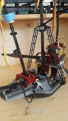 Lego Harry Potter set 4768. The Durmstrang Ship. Complete with Instructions