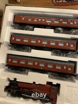 Lionel 7-11020 Harry Potter Hogwarts Express Train Set Mint Complete