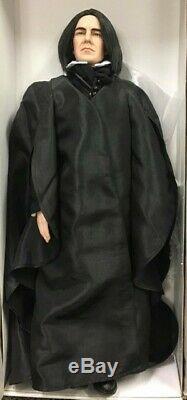 19 Tonner Doll Professeur Severus Rogue Harry Potter Complete Affiche Seulement