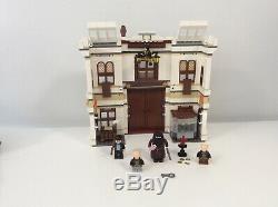 2011 Lego Harry Potter Diagon Alley 10217 100% Complète