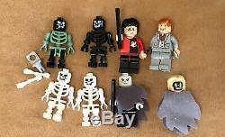 4709 Lego Harry Potter Complet Coupe Du Livre De Cimetière Feu Duel