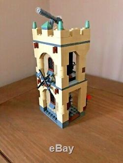 Castle Lego Harry Potter Poudlard (4842) Les Minifigurines Complets Incl