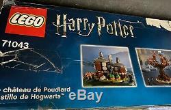 Castle Lego Harry Potter Poudlard Set (71043) Complète Nouveau Damaged Box