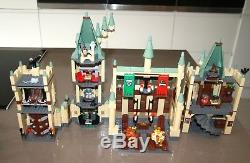 Ensemble Lego Harry Potter 4842 Le Château De Poudlard Complète 11 Figurines 2010 Retraité