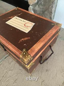Harry Potter Couverture Rigide Complete Collection Boxed Set Books 1-7 In Chest / Trunk