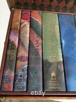Harry Potter Hardcover Complete Collection Coffret Livres 1-7 Dans La Poitrine