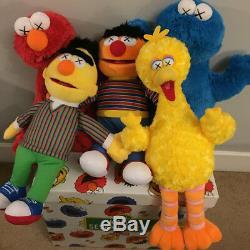 Kaws X Uniqlo X Rue Des Sésames Cookie Monstre / Ernie / Elmo / Bird / Bert Plush