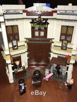 Lego 10217 Allée De Diagonale De Harry Potter Complète Avec Minifigs / Accessoires / Livres