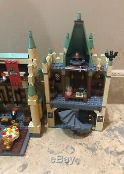 Lego 4842 Castle Harry Potter Hogwarts 100% Complet Avec Tous Les Mini-figurines