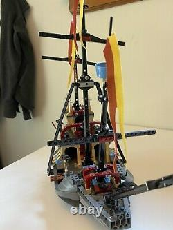 Lego Harry Potter #4768 Le Bateau Durmstrang 99 % Complet Avec Mini Figues