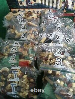 Lego Harry Potter Castle 4842 Complet Avec Minifigs / Minifigs- 8 Sacs Scellés