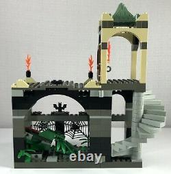 Lego Harry Potter Forbidden Corridor 4706 Complet Avec 3 Minifigs Moelleux & Affiche