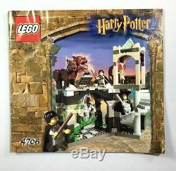 Lego Harry Potter Set 4706 Couloir Forbidden Complet Avec 3 Minifigs & Fluffy